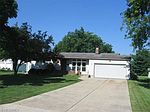414 Holly St, Canfield, OH