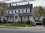 897 Hartford Ave, Johnston, RI