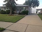 2727 Chesterfield Dr, Troy, MI