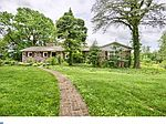572 Old Swede Rd, Douglassville, PA