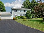15 Pintail Pl, Waterford, NY