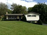 11 Fairview Dr, West Middlesex, PA