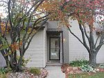 3423 N Willow Ct, Bettendorf, IA