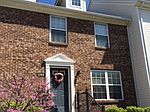 1140 Green Knoll Dr, Westerville, OH