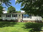 830 Fox Lake Rd, Wooster, OH