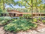 74 Brinker Rd, Barrington, IL