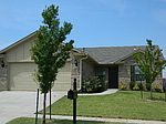 2821 Fawn Lily Rd, Oklahoma City, OK