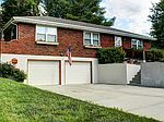 6705 S Elm St, Pleasant Valley, MO