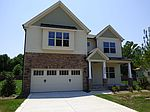 2524 Thorngrove Ct, Fayetteville, NC