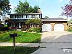 3045 Olde Country Ln, Dubuque, IA