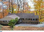 2005 Country Club Dr, Huntingdon Valley, PA