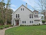 22 Bergen Ln, Blue Point, NY