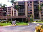 900 NE 195th St APT 301, Miami, FL