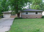 962 N Country Acres Ave , Wichita, KS 67212