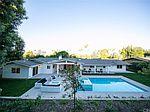 5345 Lubao Ave, Woodland Hills, CA