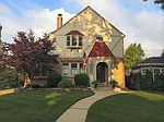 4945 N Newhall St, Whitefish Bay, WI