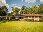 145 Chasewood Dr, Jackson, MS