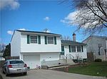 7060 Northview Dr, Lockport, NY