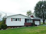 157 Wyndfield Dr, Mount Pleasant, PA