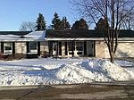 537 Mulberry Dr W, West Bend, WI