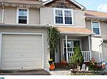 7 Cottonwood Dr, Holland, PA