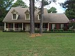 709 Crestover Dr, Collierville, TN
