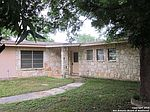 109 Hillcrest Dr, La Vernia, TX