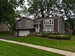 2227 Evergreen Ln, Woodridge, IL