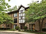 44 Harbor Ct APT 104, Naperville, IL