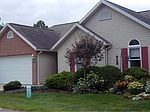 1422 Waters Edge Dr, Akron, OH