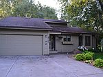 1341 Knoll Dr, Shoreview, MN