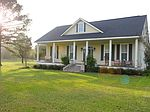198 Northwood Dr, Carriere, MS