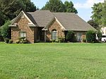 8896 Hillman Way Dr, Memphis, TN