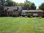 670 Maplewood Dr SE, Brookfield, OH