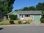 906 Foothills Ct, Windsor, CO
