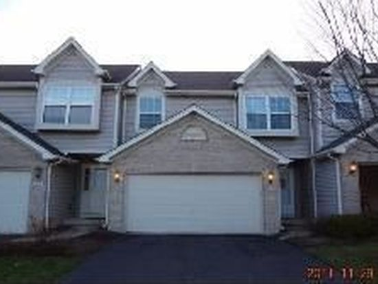 960 Viewpoint Dr, Lake In The Hills, IL 60156