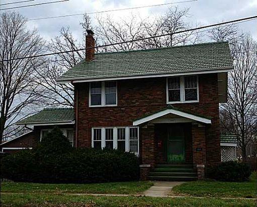 429 S 5th Ave W, Newton, IA 50208