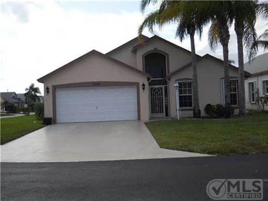 5128 Robino Cir, West Palm Beach, FL 33417