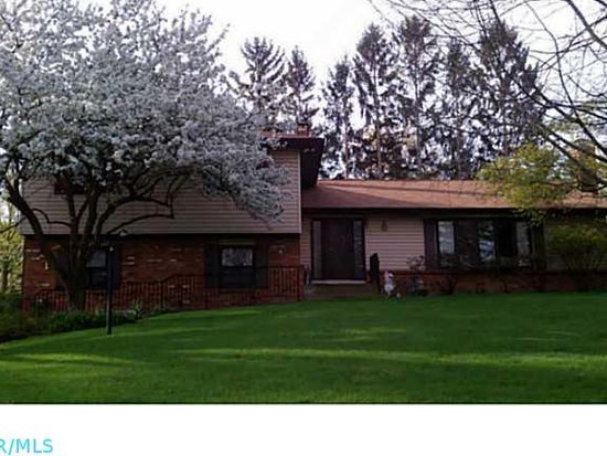 2591 Clairmont Ct, Columbus, OH 43220