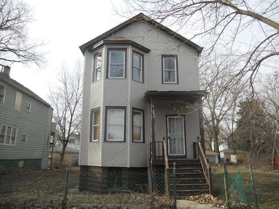 8236 S Manistee Ave, Chicago, IL 60617