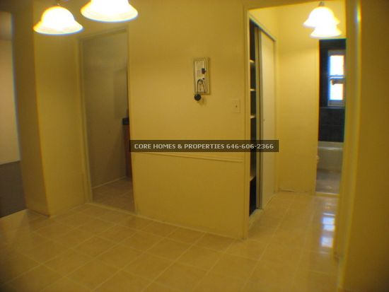 9820 62nd Dr APT LE, Rego Park, NY 11374