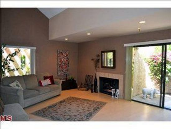 2880 N Andalucia Ct, Palm Springs, CA 92264