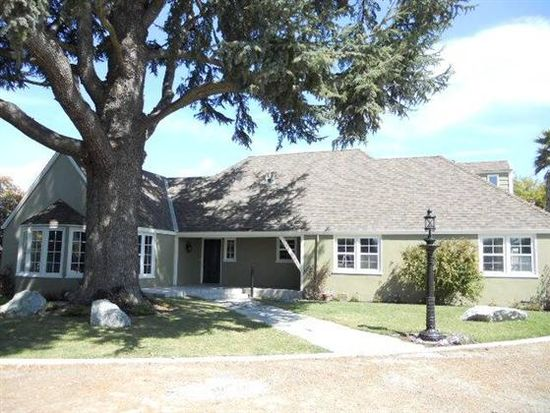 93 College Rd, Watsonville, CA 95076