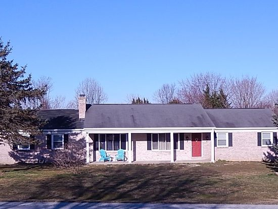 16 Fairway Dr, Quarryville, PA 17566