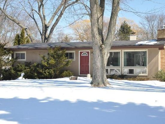210 S Beaumont Ave, Brookfield, WI 53005