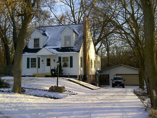 7725 Beaver Rd, Wonder Lake, IL 60097