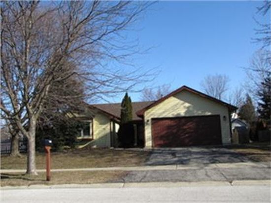1255 Camden Ln, Aurora, IL 60504