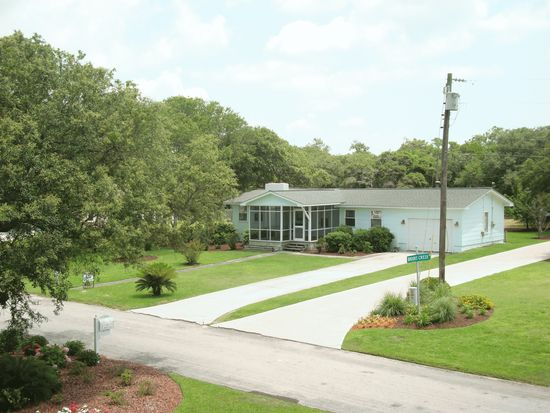 178 Branch Dr, Harkers Island, NC 28531
