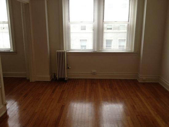 4 E 32nd St APT 200, Baltimore, MD 21218