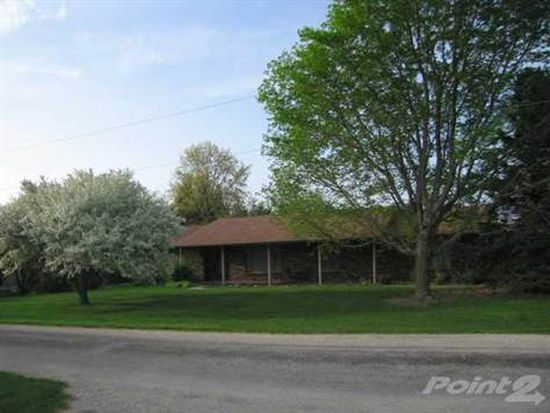2 Lynden Dr NE, Iowa City, IA 52240